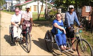 Louis & Bonnie (Myanmar 2009)